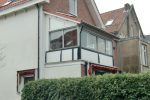 vóór de verbouwing. De oorspronkelijke balustrade en zelfs de dakbedekking bleken nog aanwezig.